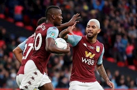 Aston Villa bat ngo rut ngan cach biet vao cuoi hiep 1