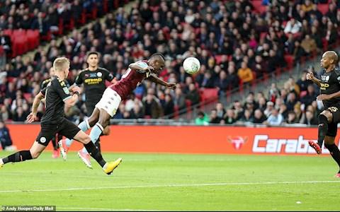 Aston Villa 1-2 Man City Samatta ghi ban