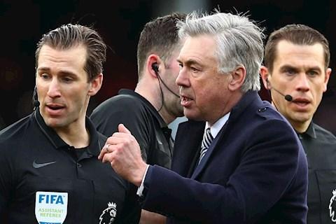 Ancelotti vs MU