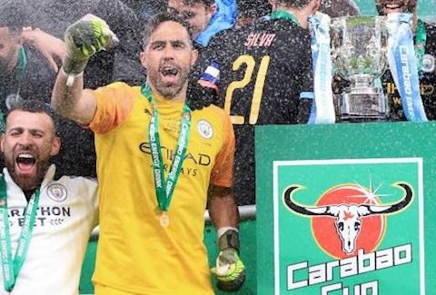 Sao Man City 'Carabao Cup nên đổi tên thành Claudio Bravo Cup!' hình ảnh