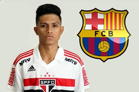 Barca muốn mua Gustavo Maia, chào bán Rakitic hình ảnh
