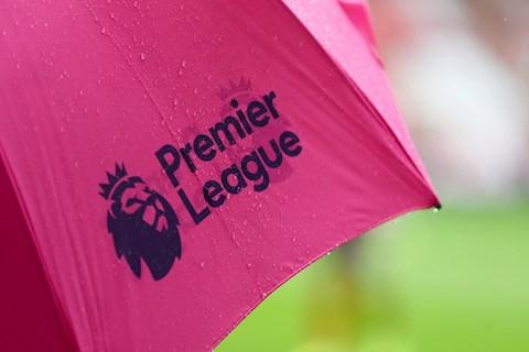 Gary Neville lo bóng đá Anh sẽ bị hoãn thêm 3 đến 4 tháng hình ảnh