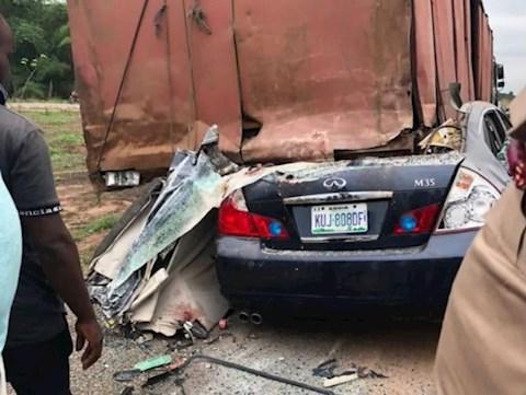 Cầu thủ bóng đá tại Nigeria thiệt mạng sau tai nạn xe hơi hình ảnh