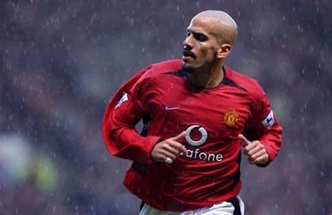 Ferdinand tiết lộ cầu thủ giết chết sự nghiệp của Veron hình ảnh