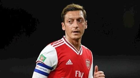 Người đại diện Ozil xúi giục cầu thủ Premier League từ chối giảm lương hình ảnh 2