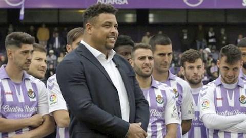 Chủ tịch Ro béo tặng iPhone cho toàn đội Valladolid hình ảnh