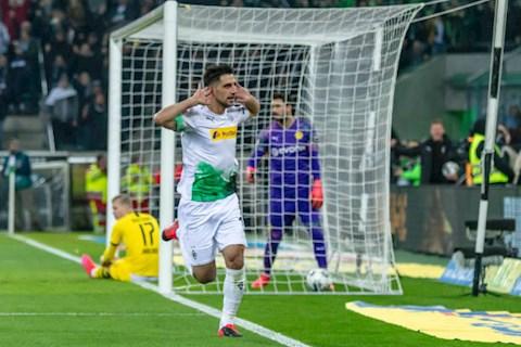 Gladbach 1-2 Dortmund Siêu Haaland trở thành nhà kiến tạo, Dortmund vươn lên vị trí thứ 2 hình ảnh 3