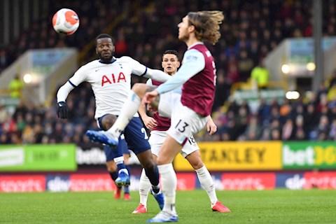 Hugo Lloris thừa nhận Tottenham chưa đáp ứng được kỳ vọng hình ảnh