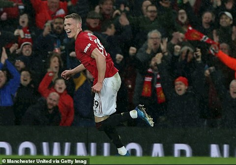 McTominay an dinh ty so 2-0 vao nhung giay cuoi cung cua tran derby