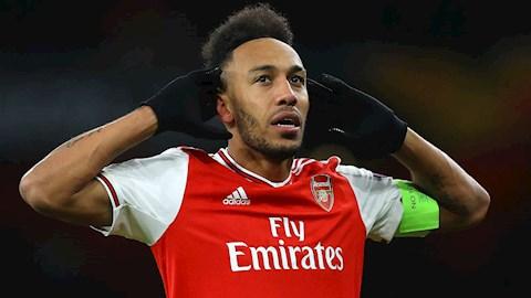 Aubameyang chi con hop dong voi Arsenal den He 2021