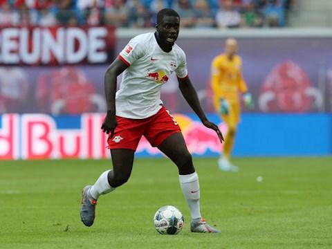 Bayern Munich quan tam Dayot Upamecano