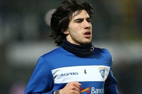 Juventus muốn chiêu mộ tiền vệ Sandro Tonali của Brescia ở Hè 202 hình ảnh