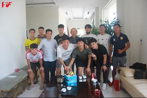 HLV Park Hang Seo du sinh nhat nho cua Luong Xuan Truong va Dinh Trong