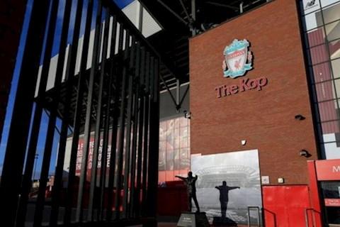 Phụ bạc nhân viên lúc khó khăn, Liverpool tiếp tục bị lên án hình ảnh