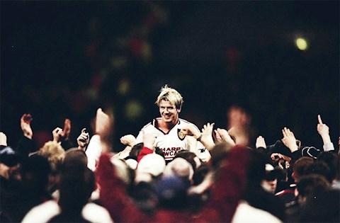 Man UTD vs Barca 1998: David Beckham toa sang