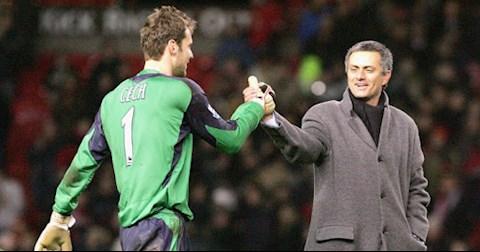 Thủ môn Petr Cech bị sốc khi Chelsea sa thải Jose Mourinho hình ảnh
