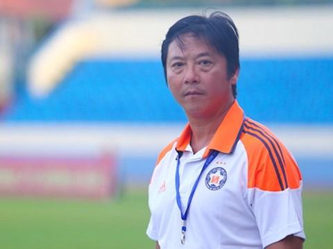 HLV Lê Huỳnh Đức phản pháo thầy Park hình ảnh