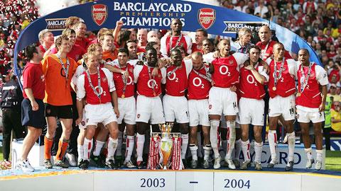 Arsenal hoàn thành Premier League mùa giải 0304 bất bại hình ảnh