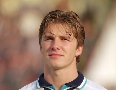 Beckham xuống mã nghiêm trọng hình ảnh