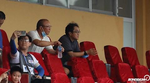 HLV Park Hang Seo dự khán trận Hà Nội - Đồng Tháp hình ảnh