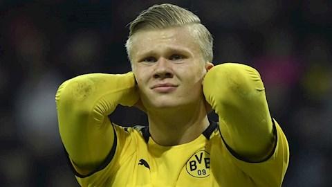 Tiền đạo Erling Haaland chưa thể so sánh với Lewandowski hình ảnh