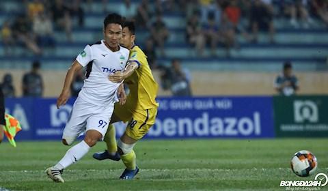 ẢNH Chơi cá nhân trong trận gặp HAGL, cựu tuyển thủ Olympic Việt Nam bị đồng đội mắng xối xả hình ảnh 2