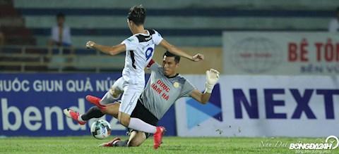 Dinh Xuan Viet Van Toan Nam Dinh vs HAGL