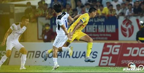 Lý do khiến HAGL thua Nam Định Hụt hơi trong tranh chấp tay đôi hình ảnh
