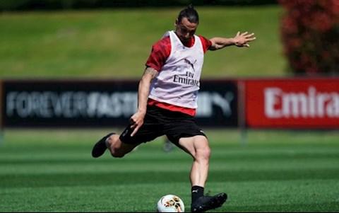 Ibrahimovic dinh chan thuong nghiem trong trong mot buoi tap cua AC Milan
