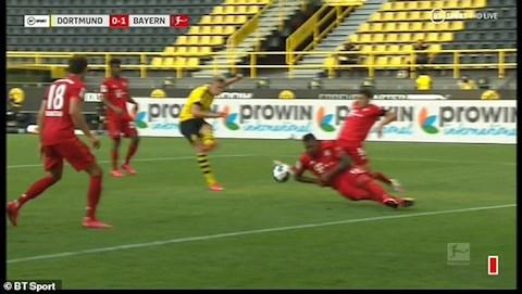 Video tình huống không thổi 11m Dortmund vs Bayern Munich hình ảnh