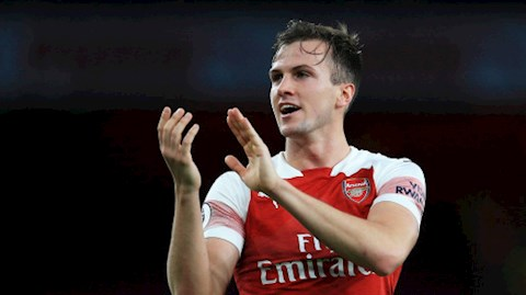Bị đồn thổi rời Arsenal, trung vệ Rob Holding phản ứng thế nào hình ảnh