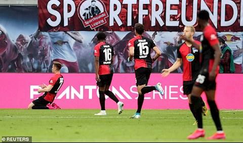 Song Hertha Berlin da giat lai duoc 1 diem nho mot qua 11m thanh cong