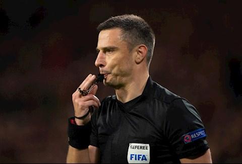 Trọng tài bóng đá liên quan tới C1 và Liverpool bị bắt hình ảnh