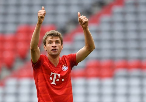 Vua da vua choi trong hiep 2, Bayern Munich van ghi them 2 ban de co thang loi 5 sao
