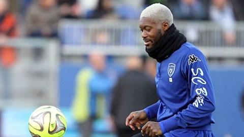 Djibril Cisse sẵn sàng đá bóng không công vì 100 bàn thắng hình ảnh
