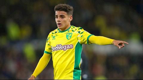 Max Aarons choi noi bat trong mau ao Norwich