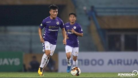 Quang Hải dẫn đầu cuộc đua Pha sút phạt đẹp nhất AFC Cup với tỷ hình ảnh