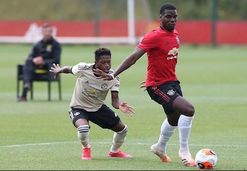 Bạn thân khuyên Paul Pogba tiếp tục gắn bó với MU hình ảnh