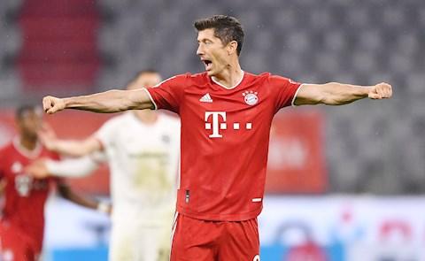 Bayern san bằng kỷ lục ghi bàn sau trận thắng nhọc Frankfurt hình ảnh