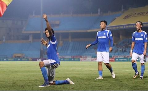 Ảnh Cầu thủ Than Quảng Ninh tri ân Hải Huy sau chấn thương nghiêm trọng hình ảnh 2