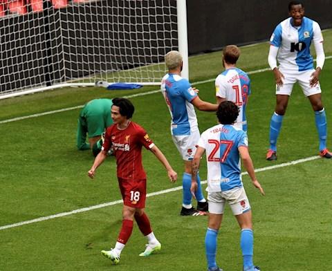 Klopp đánh giá cao ngôi sao Nhật Bản trước thềm trận gặp Everton hình ảnh