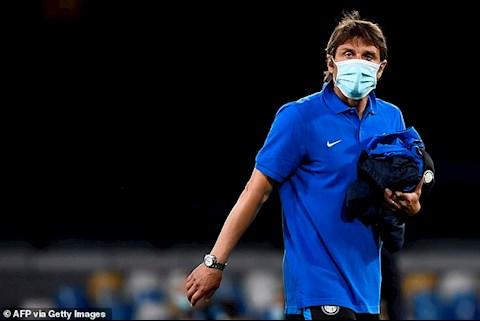 HLV Conte tiep tuc vo duyen voi danh hieu Coppa Italia trong su nghiep huan luyen