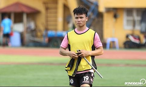 Chấn thương không thể thi đấu, Quang Hải bỗng hoá trọng tài biên hình ảnh