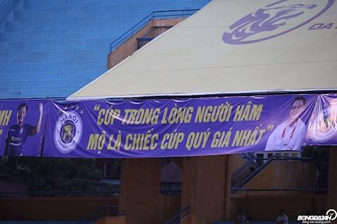 CLB Ha Noi treo banner ky niem ngay sinh nhat