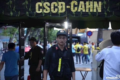 Ảnh CLB Hà Nội thắt chặt an ninh trong trận gặp SLNA hình ảnh
