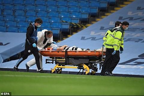 Khiến đồng đội vào viện, Ederson có bị Pep Guardiola trách mắng hình ảnh