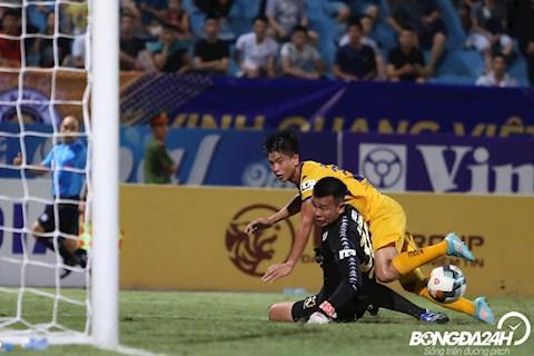 ẢNH Văn Đức solo những phút cuối, suýt chút nữa là người kết liễu trận đấu với CLB Hà Nội hình ảnh 2