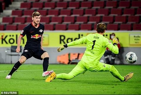 Werner ghi ban thu 3 cho Leipzig sau tinh huong phan cong so truong