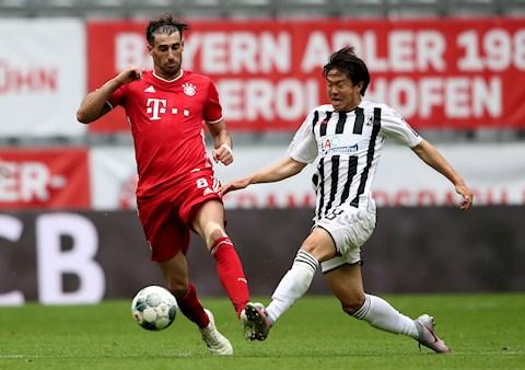 Bayern Munich 3-1 Freiburg Lewandowski chói sáng, Bayern lập kỉ lục mới hình ảnh 3