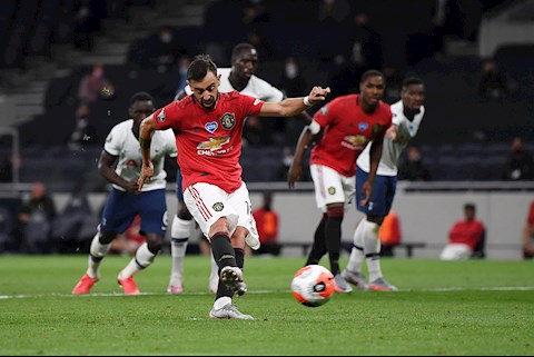 Fernandes và Rashford, ai là chân sút penalty số 1 của MU hình ảnh